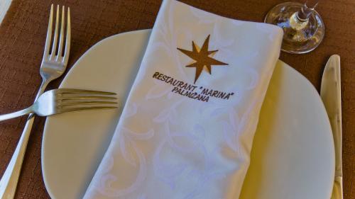 Restaurant002