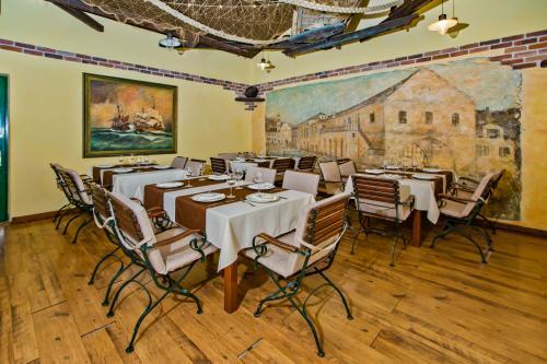 Restaurant013
