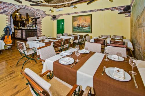 Restaurant014